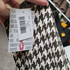 BNWT Small Lularoe Houndstooth Shirley